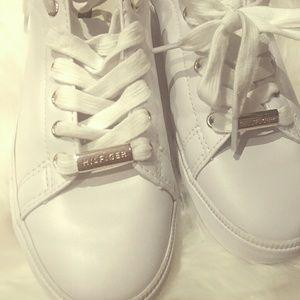 006e409503dc0 Tommy Hilfiger Shoes - TOMMY HILFIGER Laddi Sneakers EUC